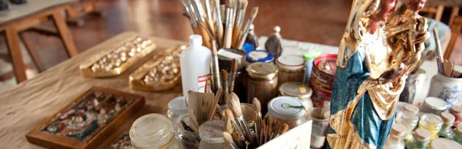 materiales de artesanía, Iglesia católica